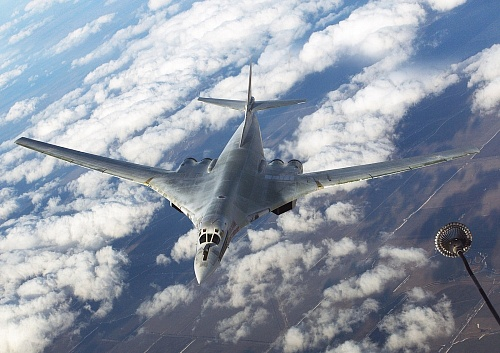 Tu-160 supersonic bombers set a world record for flight range